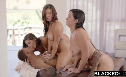 BLACKED Abella, Karlee and Keisha Share BBC's|875,010 views