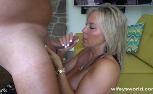 Wifey Loves To Swallow Cum|90,485 views