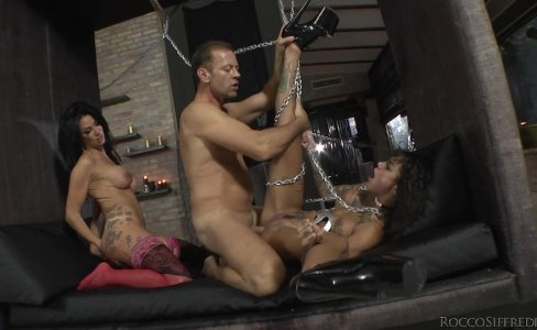 Bonnie Rotten And Valeria Visconti Screawing Violently|39,068 views