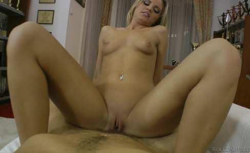 Young Vanda Lust Wants Hard Fuck|849 views