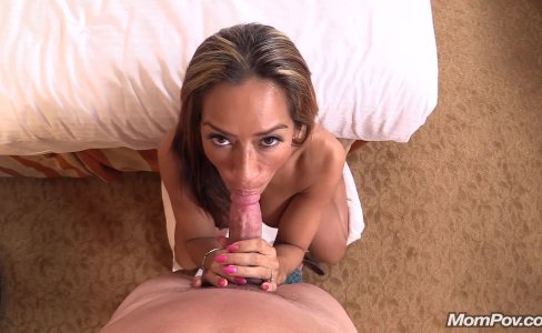 Hot Latina amateur MILF first timer|352,683 views