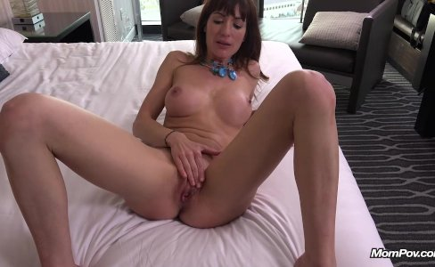 Amateur Spanish Lady gets fucked POV|67,374 views