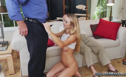 Blonde lou lou Molly Earns Her Keep|219 views
