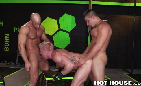 HotHouse Muscle Hunks Fuck Hard 3 Ways|19,321 views