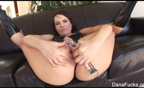 Dana gets her ass stuffed with huge black cock|203 views
