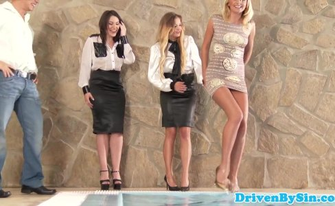 Glamour babe analized during foursome session|52,044 views