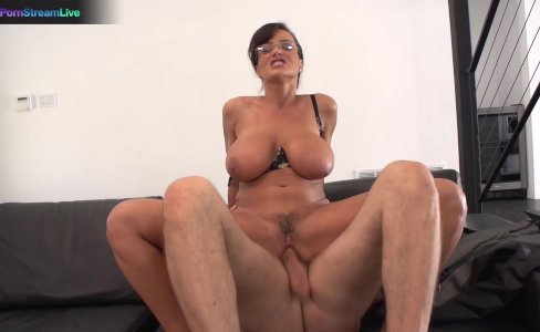 Busty Lisa Ann hardcore fuck with Steve Holmes|110,162 views