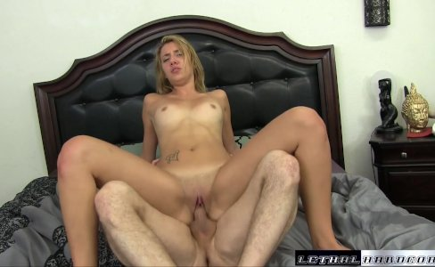 Teen Sophia wants her stepbrother to make her pussy squirt|950 views