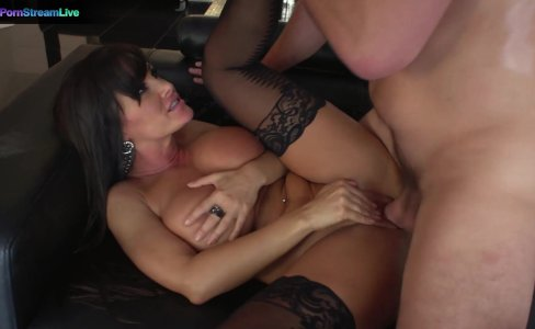 Juicylicious Milf Lisa Ann in stockings always a fan of huge cocks|39,321 views