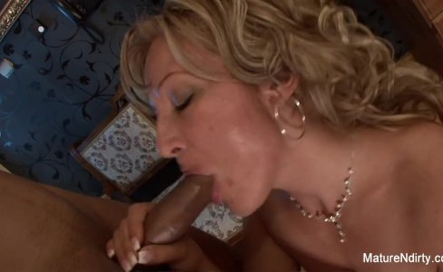 Sexy blonde granny takes a black cock in her ass|58,701 views