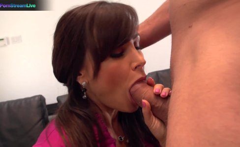 Lisa Ann got her snatch stuffed with big cock|105,020 views
