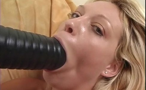 Busty blonde punishes her pink pussy with a huge dildo|11,091 views