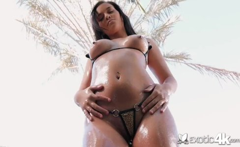 Exotic4K - Exotic Karter Foxx fucked doggystyle out back by the pool|25,037 views