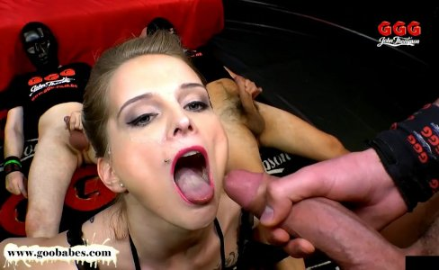Mia Bitch is back for more Cum - German Goo Girls|4,012 views