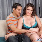 Chubby beauty Roxy Foxxx looking sexy Image 5