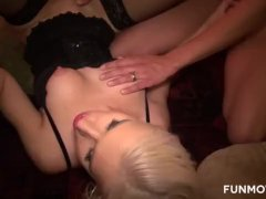 Amateur Susi In A Threesome