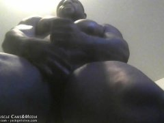 Muscle Man Tyrese jacks his bbc