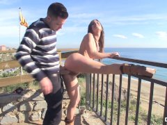 Chicas Loca - Picante sexo joven en público
