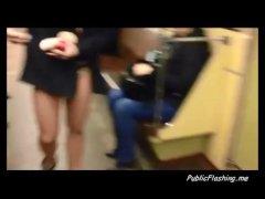 Una joven le hace una comida de el cipoton. | Sexo vaginal Video