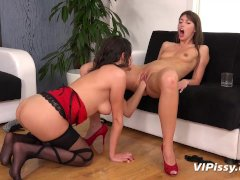 Lesbian piss drinking and pussy eating with gorgeous Susan Ayn