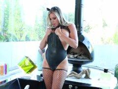 Sexy kitty Samantha Saint takes a milk bath