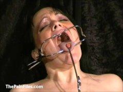 Face punished mature slave Chinas dental gagg
