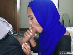 Couple arabe baise She... -