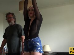 Torbe presenta : Gorda rubia penetrada en la calle - Sexo vaginal Video XXX