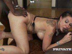 MILF Texas Patti Has Her First Interracial - xtvporn