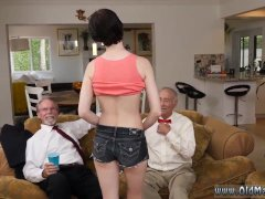 Mia smiles threesome and girls crying first