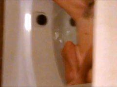 Spying my mom fingering in bath
