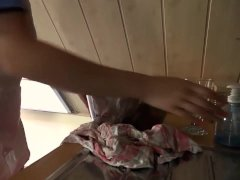 Descarada nena caliente le hace una mamada de el pollon en el hospital.
