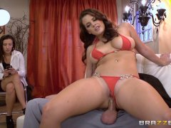Brazzers - Keisha Grey ass makes men cheat