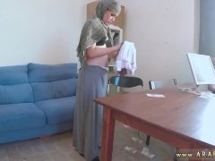Arab girl casting and arab toilet first