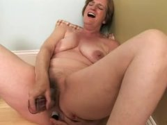 : Older chick needs two dildos