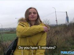 Blonde neukhoer hard geneukt door 2 - film met Vaginale seks
