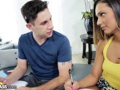 Mamada amateur a polla con piercing - Video Tatuajes -