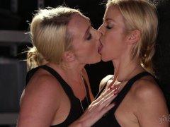 AJ Applegate, Cherie DeVille, Alexis Fawx Lesbians