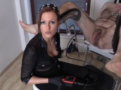 Extreme Body Camera - CHERIE NOIR is inquisitive!