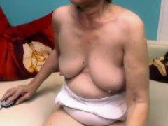 Linda 65 years old flashing on home webcam