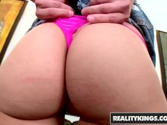 Reality Kings - Cute teen Roxy Reed takes two dicks in porn audition