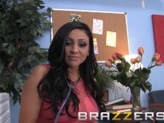 Brazzers - Slutty doctor Audrey Bitoni can't control herself around big dic