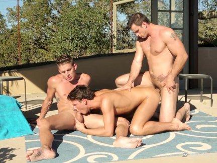 NextDoorTwink Hot Twink Outdoor Threesome