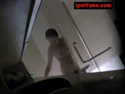 Dalagitang pinay na hidden cam sa shower room
