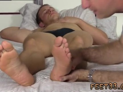 Sexy gay men having sex with sexy toes