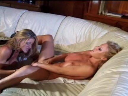порно лесби совращение смотреть онлайн
