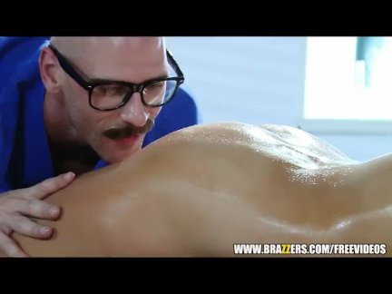 Doctor fucks his busty patient Audrey Bitoni - brazzers
