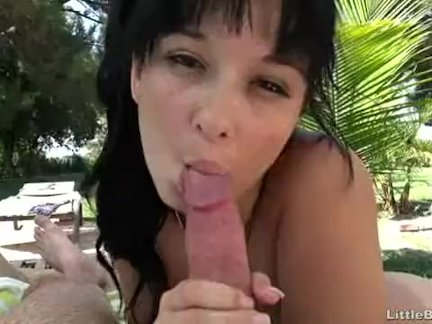 The Best Blowjobs Given By This Teen Cutie
