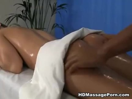 Oral massage porn with pretty babe