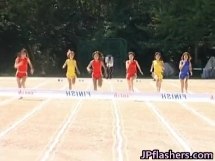 Free jav of Asian girls run a nude track